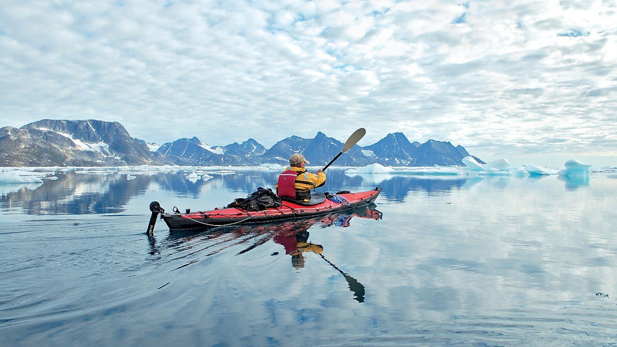 greenland-kayaking-bot.jpg